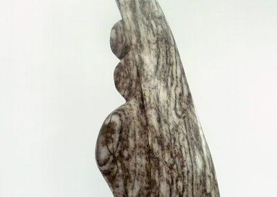 Je suis là, me vois-tu. Albâtre IDLM, granit(22x9x3po)